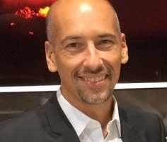 Dr. Denis Giffeler